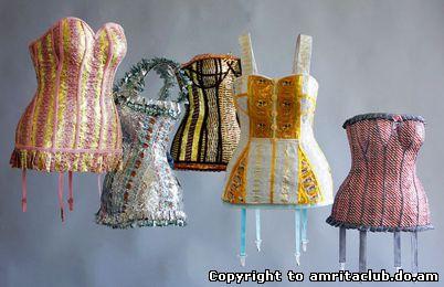 Фінська художниця Вірпі Весанен-Лаукканен шиє приголомшуючі жіночі туалети з фантиків цукерок