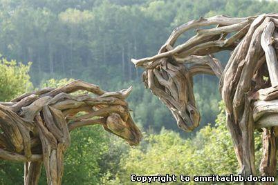 Хізер Янск створює скульптури тварин з корінь і гілок